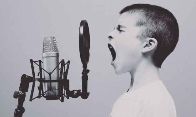 Why Do Singers Sing With Their Eyes Closed?